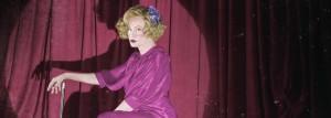 Sjekk de beste og mest vanvittige antrekkene Jessica Lange har på seg i «American Horror Story: Freak Show»