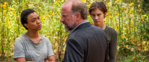Sint, gravid kvinne bak rattet? Full action i The Walking Dead s07e05!