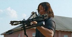Se i kveld: Daryl spenner buen … og Rick møter skarp motstand